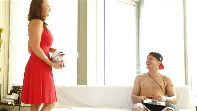 suaminya menyetujui ketika bokep tube terbaru istri bercinta dengan orang asing.